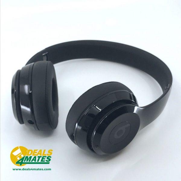 Refurbished Beats Solo3 Wireless Gloss Black 2